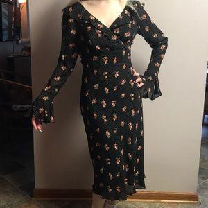 BEAUTIFUL Moda International black & floral dress